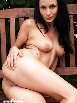 MC-Nudes  Kat  Solo, Boobs, Breasts, Tits, Softcore, Legs, Outdoor, Erotic
