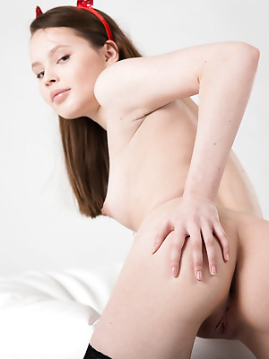 Showy Beauty  Rosi  Ass, Solo, Softcore, Erotic, Naughty